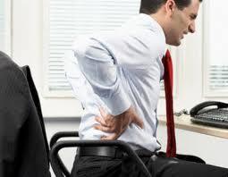 Cómo evitar un dolor de espalda mientras se trabaja en la oficina