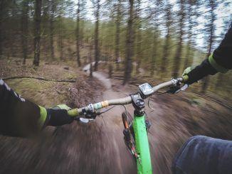 Beneficios de practicar ciclismo de montaña